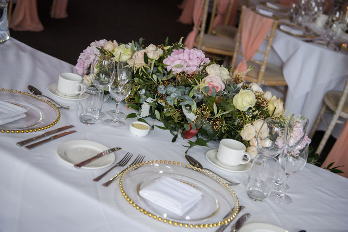 a-classic-spring-wedding-at-braxted-park-essex-36