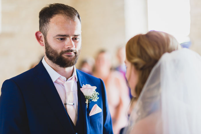 a-summer-wedding-in-the-cotswolds-filled-with-fun-12