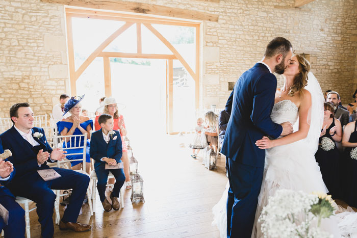 a-summer-wedding-in-the-cotswolds-filled-with-fun-15