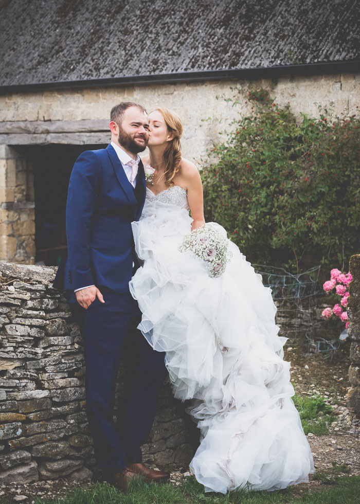 a-summer-wedding-in-the-cotswolds-filled-with-fun-32