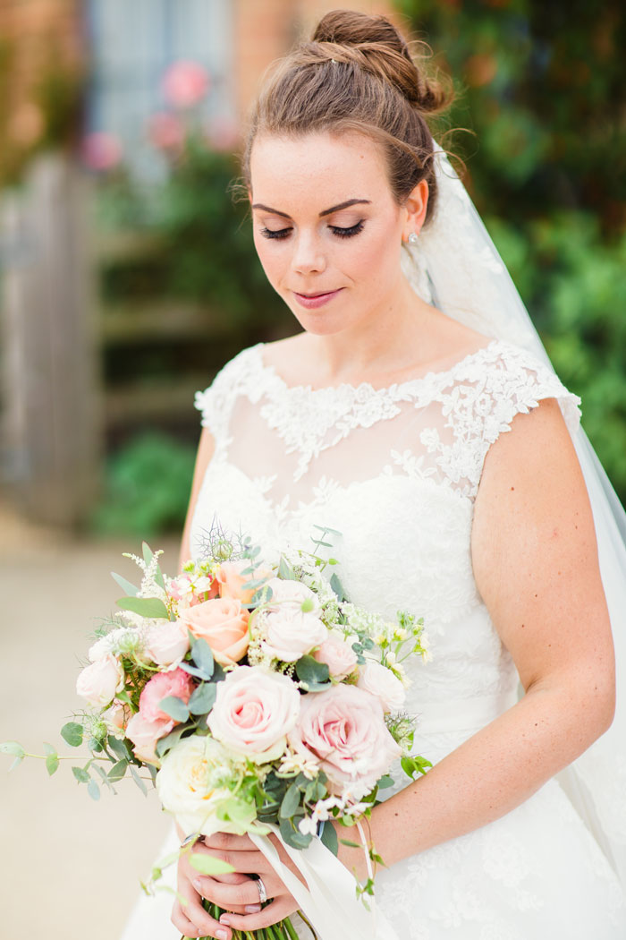 a-pink-rustic-wedding-in-cambridgeshire-43