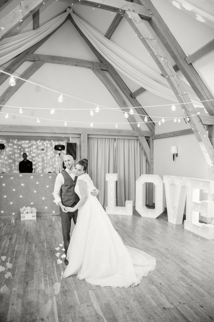 a-pink-rustic-wedding-in-cambridgeshire-50