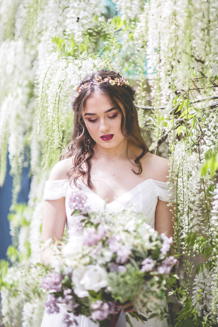 a-wisteria-filled-wedding-shoot-in-northumberland-4