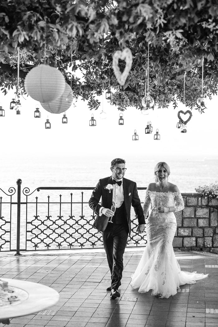 classic-red-and-white-italian-wedding-in-sorrento-10
