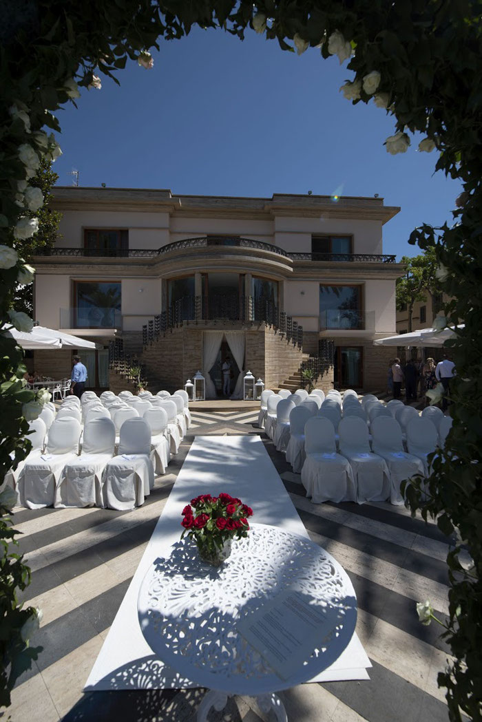 classic-red-and-white-italian-wedding-in-sorrento-18