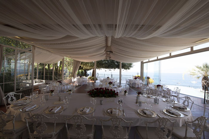 classic-red-and-white-italian-wedding-in-sorrento-20