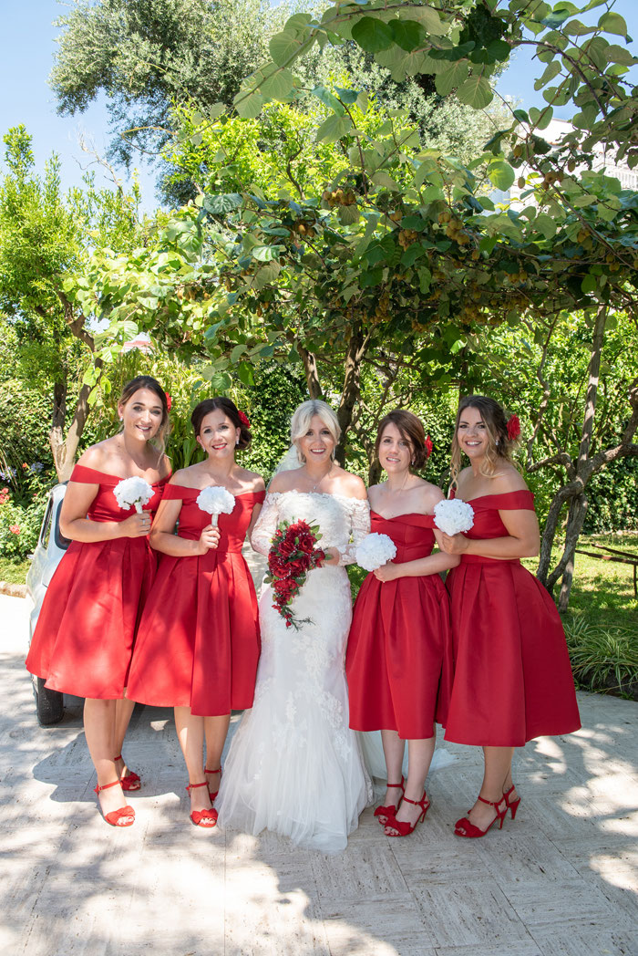 classic-red-and-white-italian-wedding-in-sorrento-24