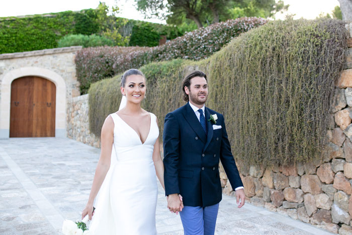 a-majorcan-wedding-with-drinking-and-dancing-19