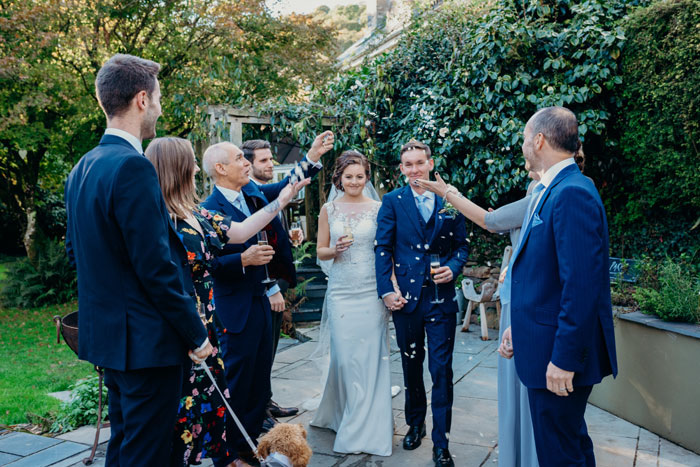 an-intimate-elopement-with-eight-guests-and-a-dog-10
