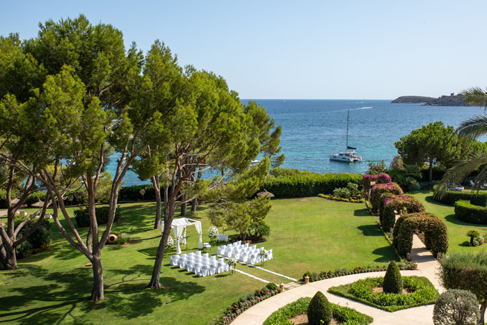 elegance-meets-simplicity-in-this-dreamy-mallorca-wedding-11