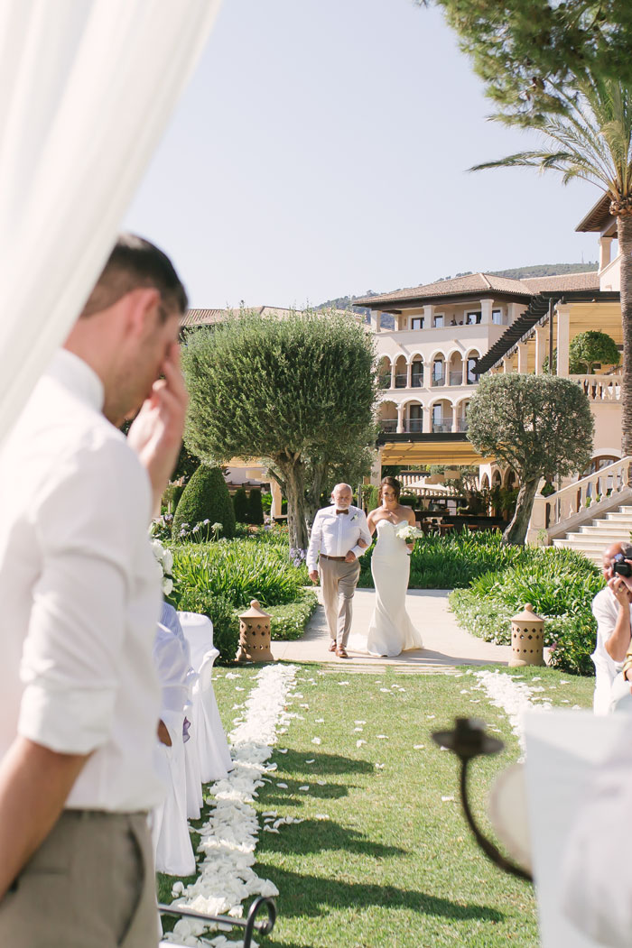 elegance-meets-simplicity-in-this-dreamy-mallorca-wedding-13