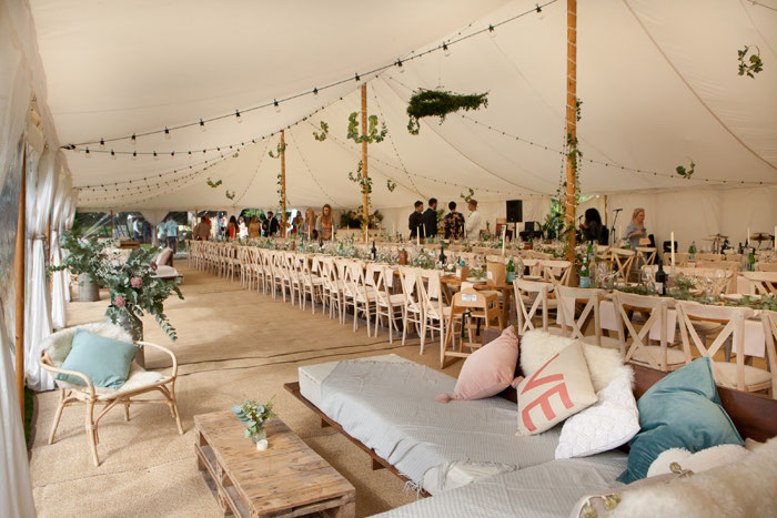 caribbean-themed-rustic-wedding-surrey-10