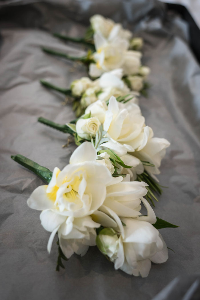 a-summer-berkshire-wedding-filled-with-flowers-17
