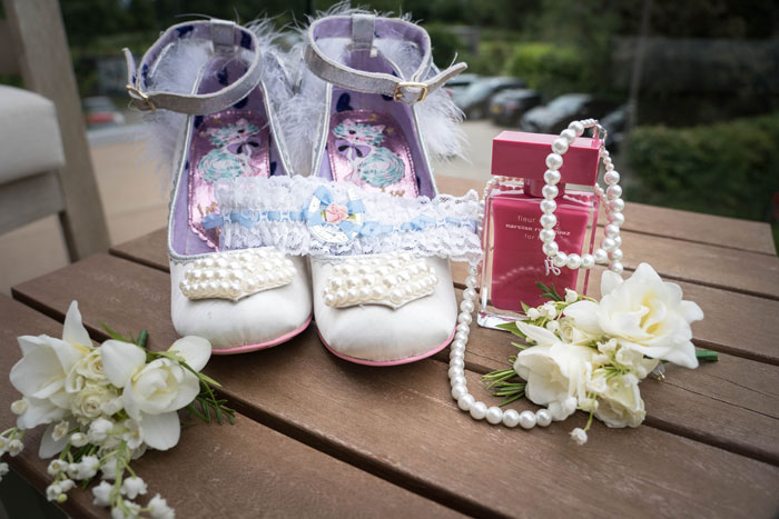 a-summer-berkshire-wedding-filled-with-flowers-19