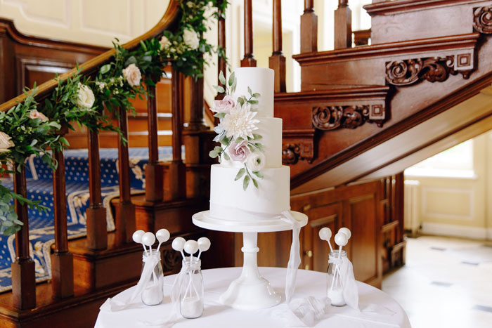 a-stately-home-wedding-in-essex-with-special-touches-7