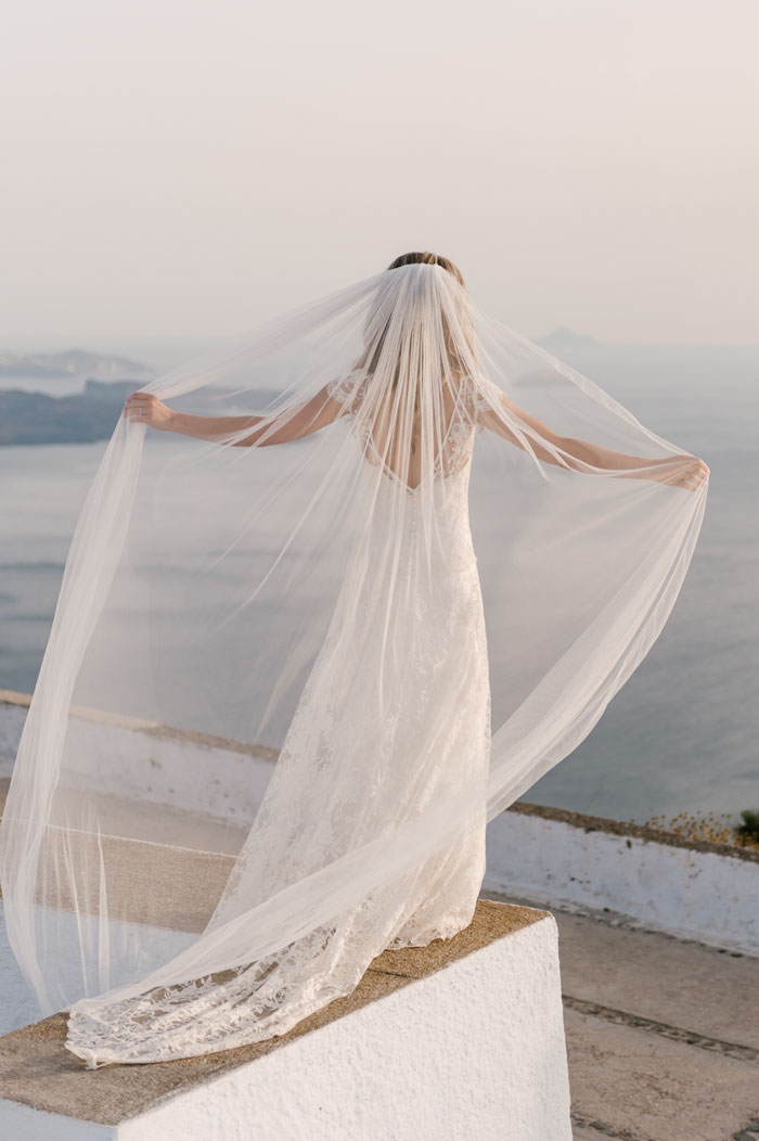 a-small-and-intimate-wedding-in-santorini-40