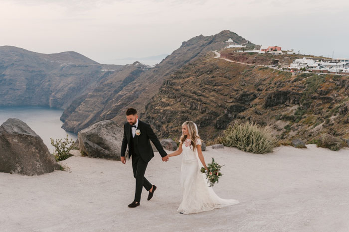 a-small-and-intimate-wedding-in-santorini-49