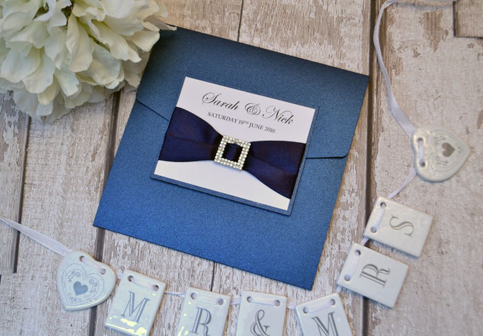 wedding-pantone-colour-of-the-year-2020-classic-blue-5