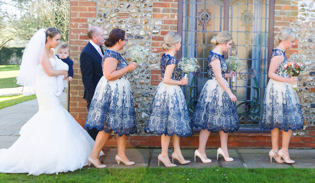 wedding-pantone-colour-of-the-year-2020-classic-blue-12