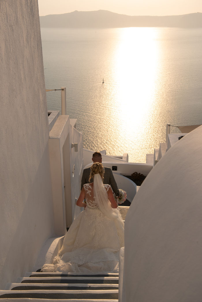 a-santorini-wedding-with-a-spectacular-sunset-29
