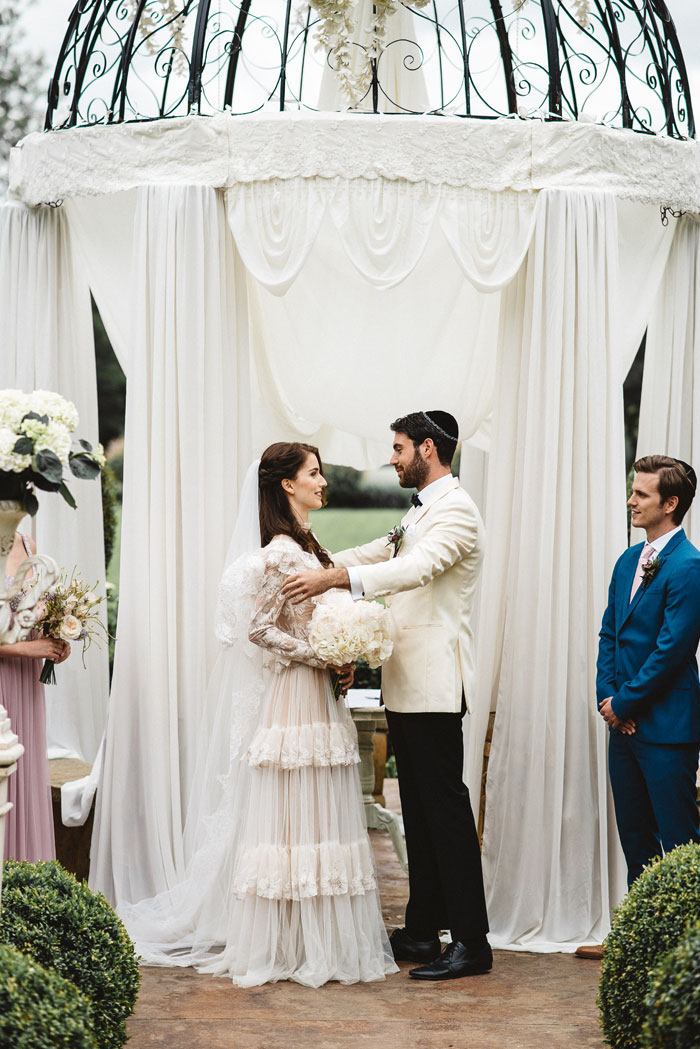 a-jewish-fairytale-wedding-shoot-in-france-10