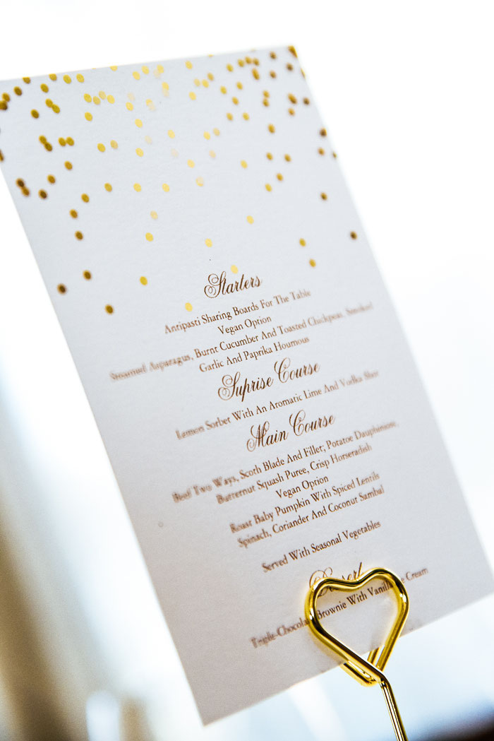trend-alert-glimmering-gold-wedding-colour-scheme-11