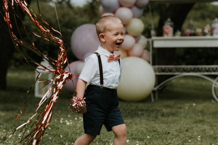 a-summer-wedding-shoot-with-children-in-somerset-11