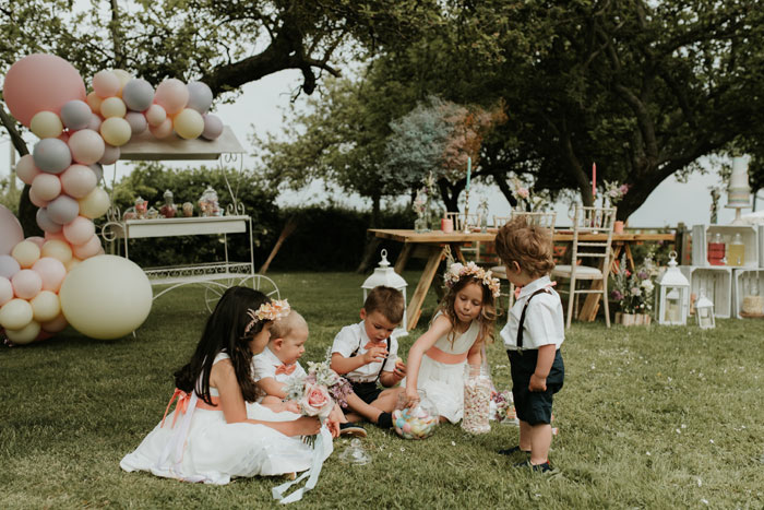 a-summer-wedding-shoot-with-children-in-somerset-19