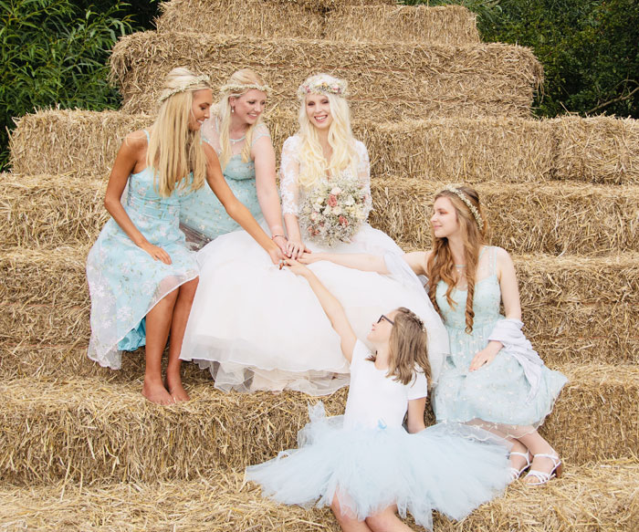 a-rustic-farm-wedding-in-nottinghamshire-26