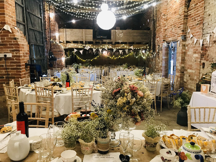 a-rustic-farm-wedding-in-nottinghamshire-32