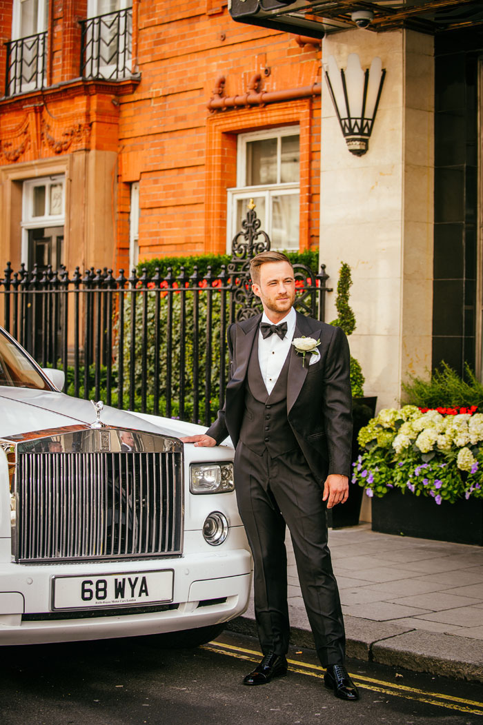 a-white-black-and-gold-wedding-in-claridges-mayfair-12