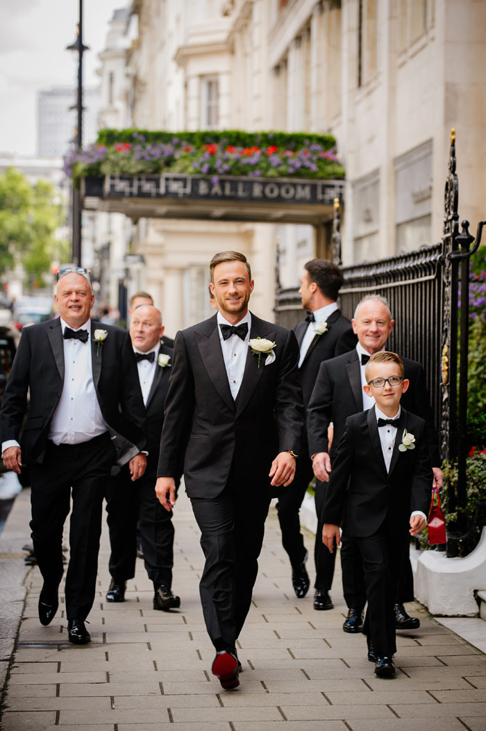 a-white-black-and-gold-wedding-in-claridges-mayfair-13