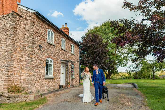 a-rustic-country-garden-wedding-in-herefordshire-30