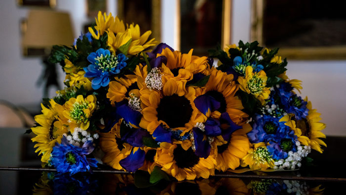 a-cornflower-blue-wedding-in-sorrento-italy-10