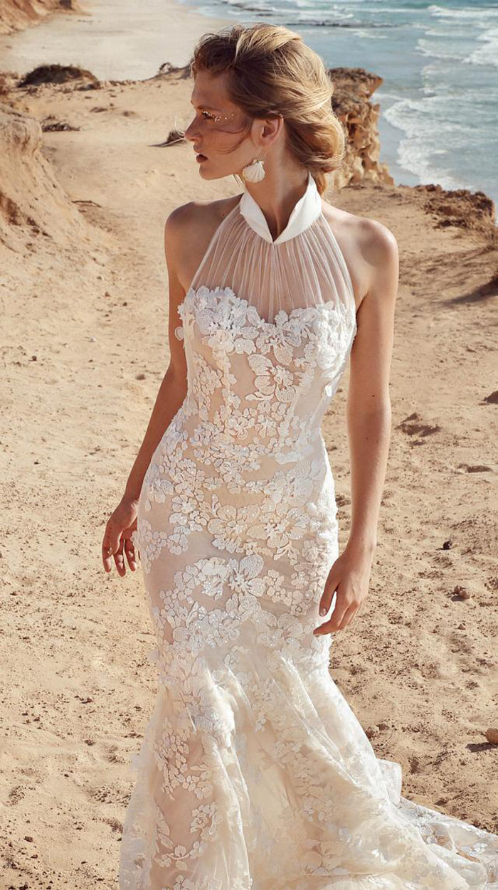 halterneck-wedding-dresses-3