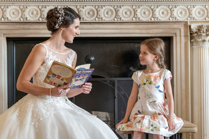 11-ways-to-add-favourite-book-into-your-wedding-4