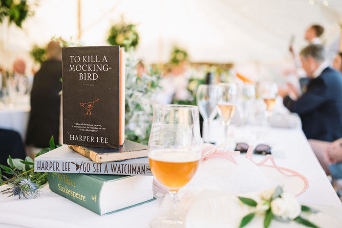 11-ways-to-add-favourite-book-into-your-wedding-16