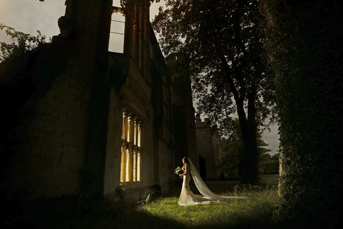 a-dreamy-castle-wedding-in-the-cotswolds-10