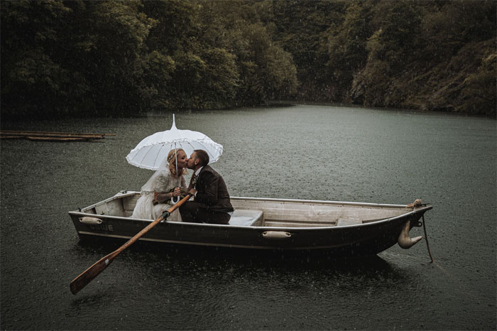 16-rainy-day-wedding-pictures-2020-8