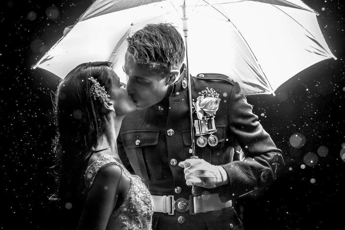 16-rainy-day-wedding-pictures-2020-11