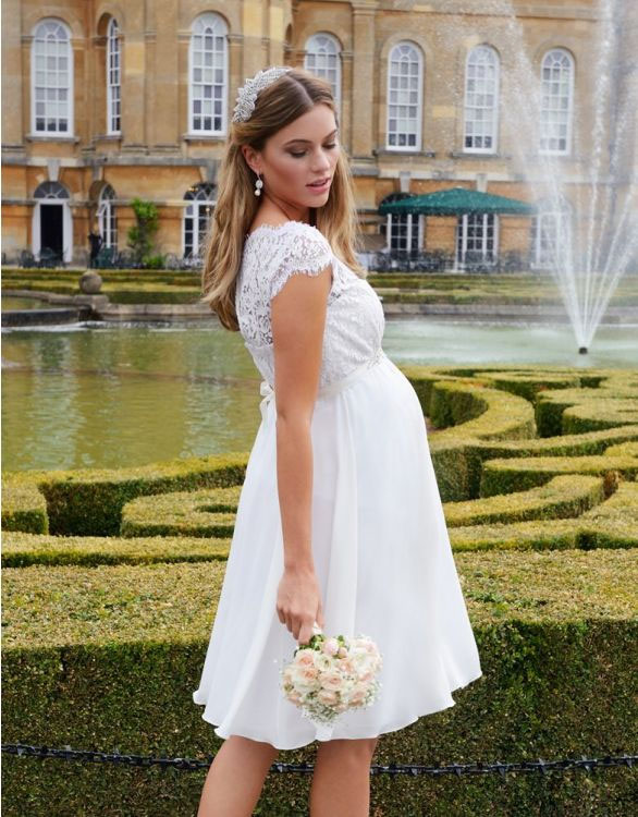 31-fabulous-maternity-wedding-dresses-2020-7