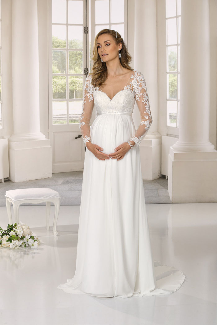 31-fabulous-maternity-wedding-dresses-2020-23