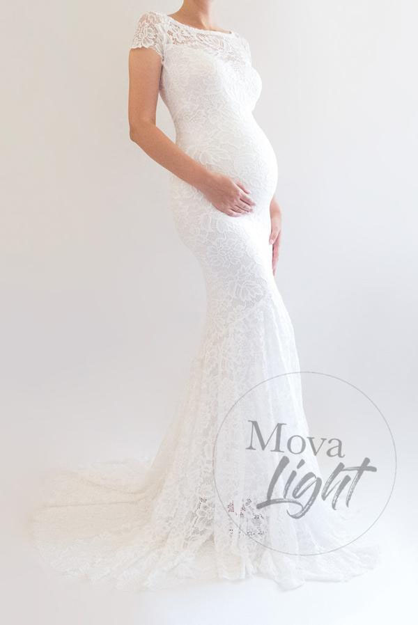 31-fabulous-maternity-wedding-dresses-2020-26