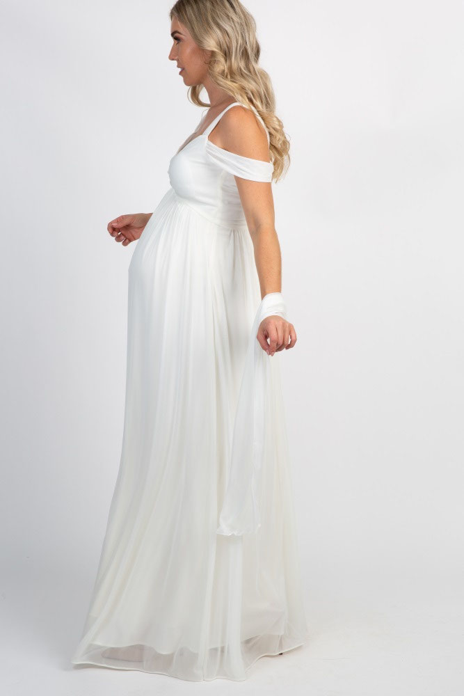 31-fabulous-maternity-wedding-dresses-2020-28