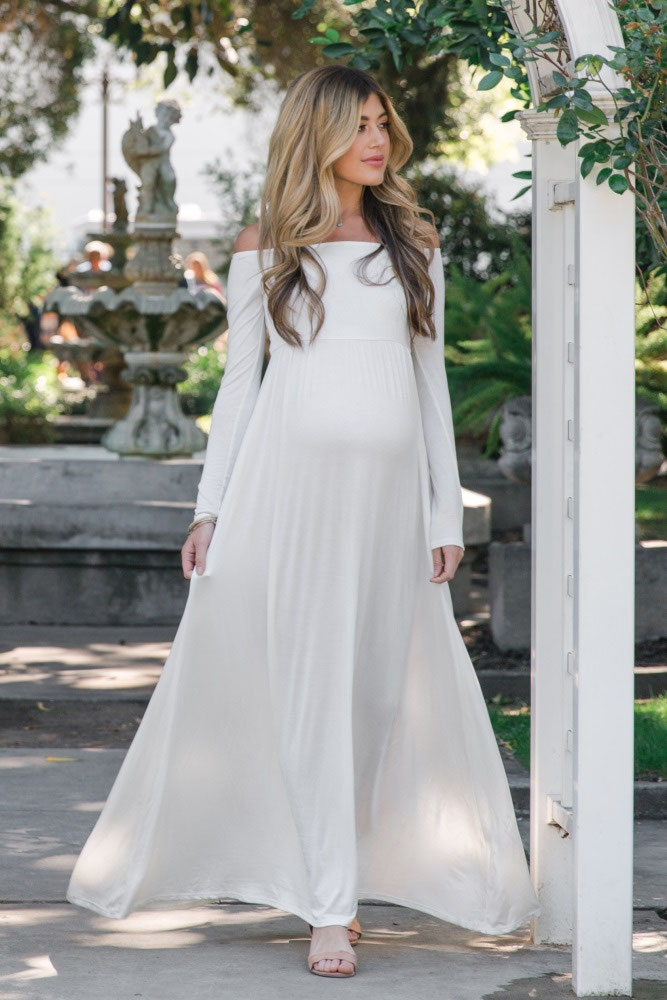 31-fabulous-maternity-wedding-dresses-2020-29