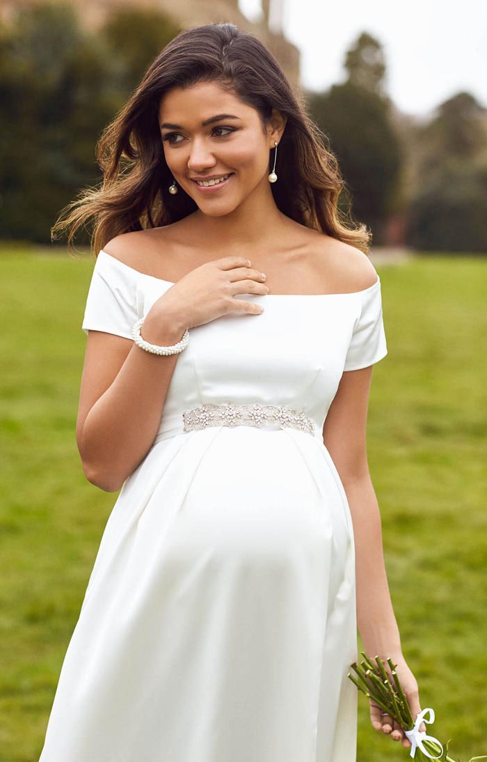 31-fabulous-maternity-wedding-dresses-2020-37
