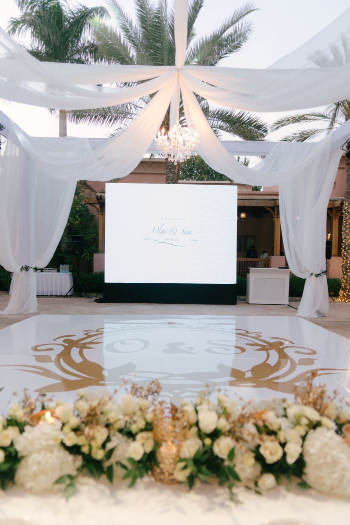 white-and-gold-wedding-dubai-16
