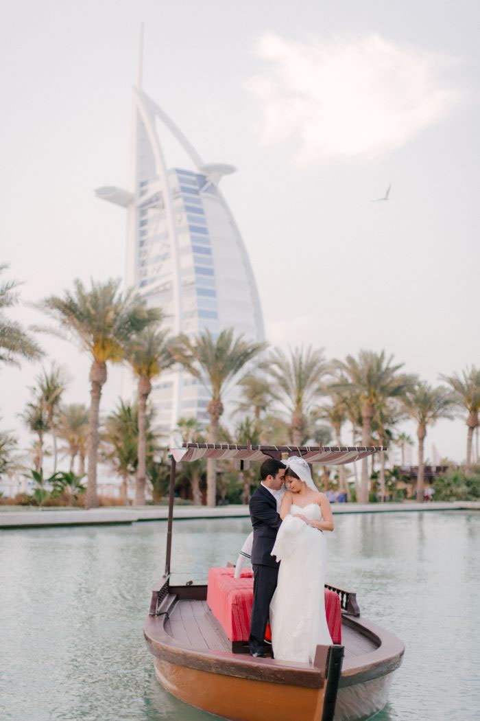 white-and-gold-wedding-dubai-28