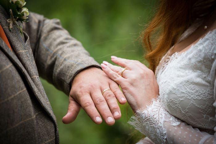 autumn-love-micro-wedding-shoot-devon-44