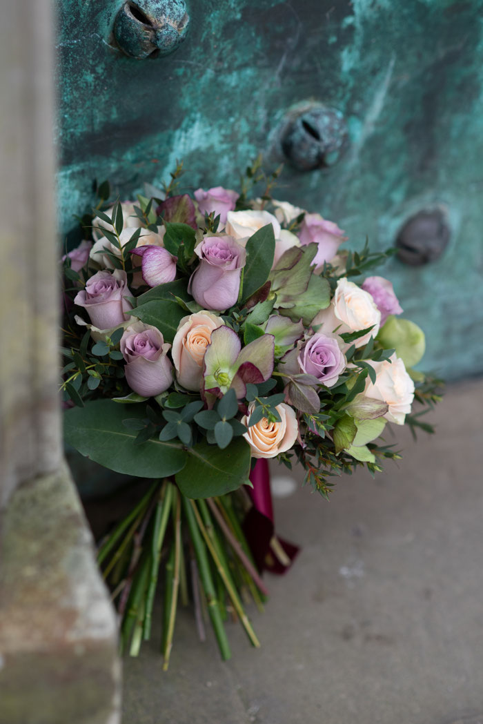 best-flowers-for-your-autumn-winter-wedding-20-5
